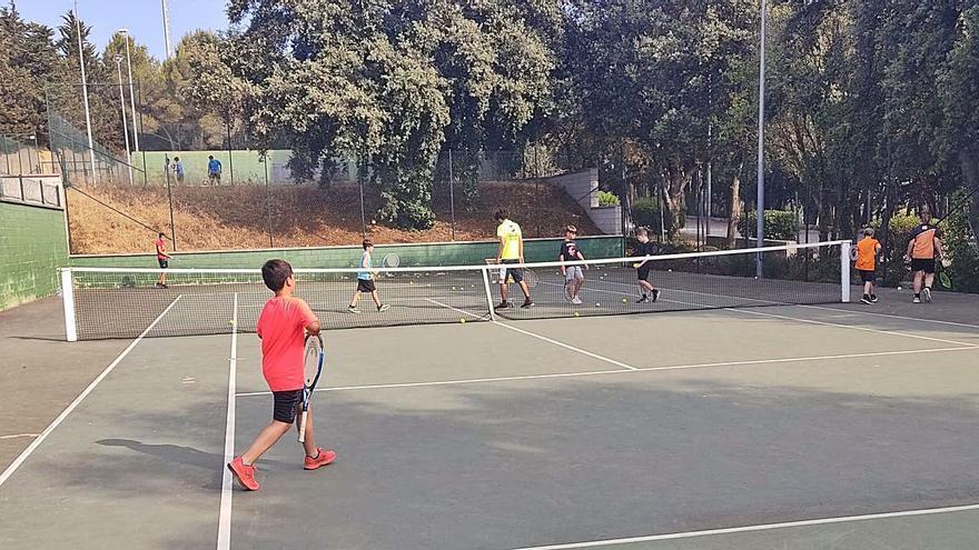Tennis i pàdel per aprendre i divertir-vos jugant amb la raqueta a les mans