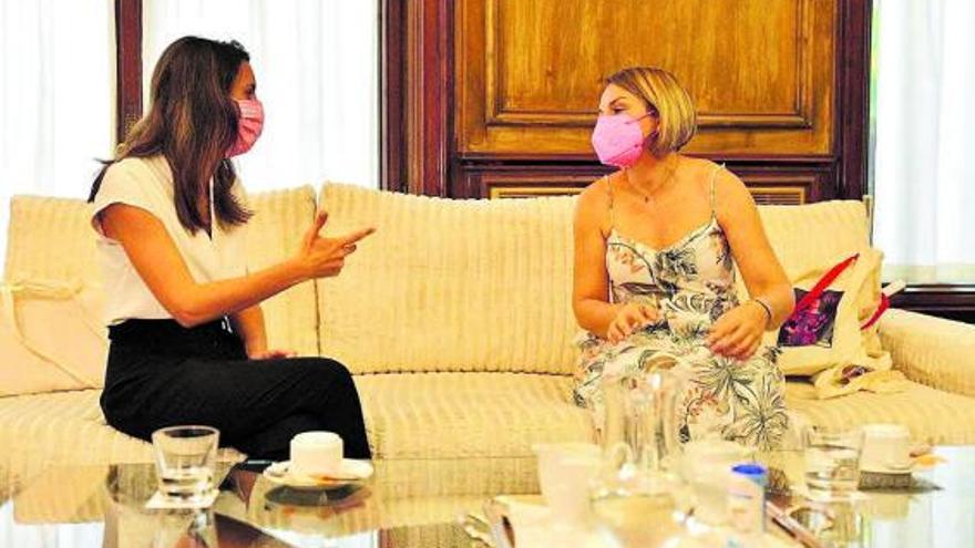 Los agentes sociales, cansados de Santana, piden la mediación de Torres