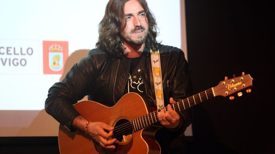 Así fue la visita del músico y compositor gallego Andrés Suárez al Club Faro