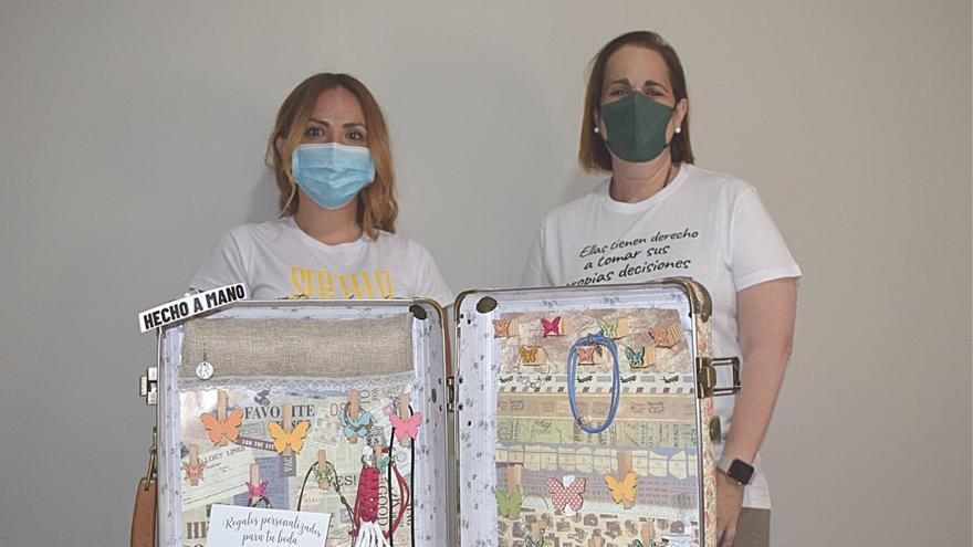 Mujeres víctimas de trata crean la marca de bisutería 'Be Free' con ayuda del Imdeec