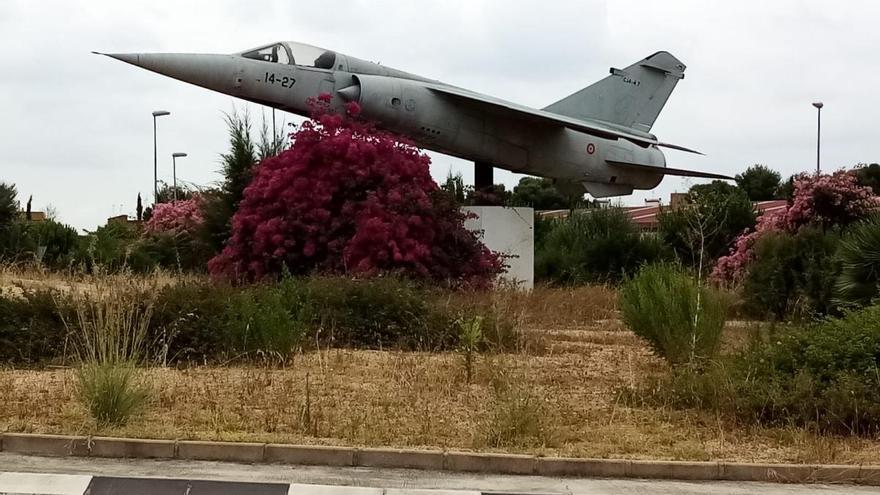 Paterna renueva con Defensa que el Mirage F-1M siga expuesto en la ciudad