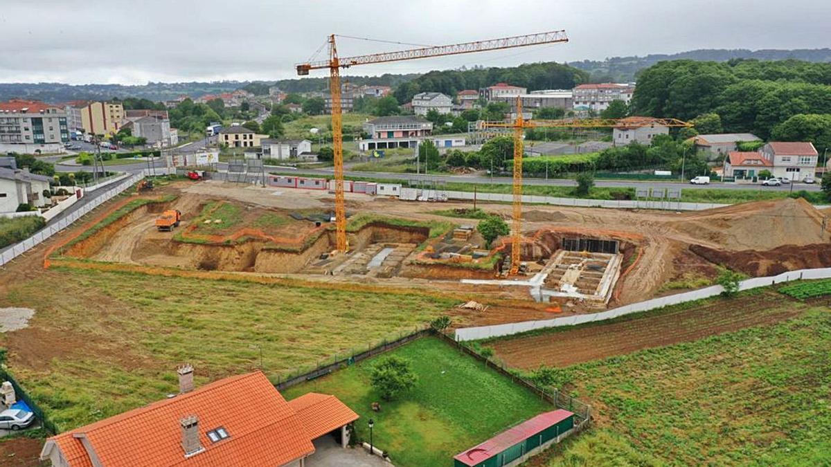 Vista aérea de la evolución de los trabajos en la parcela municipal de Alto de Vales.  