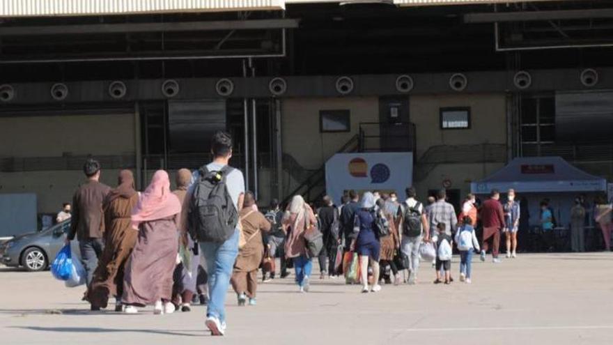 208 persones refugiades d'Afganistan arriben a Catalunya en el programa de protecció internacional