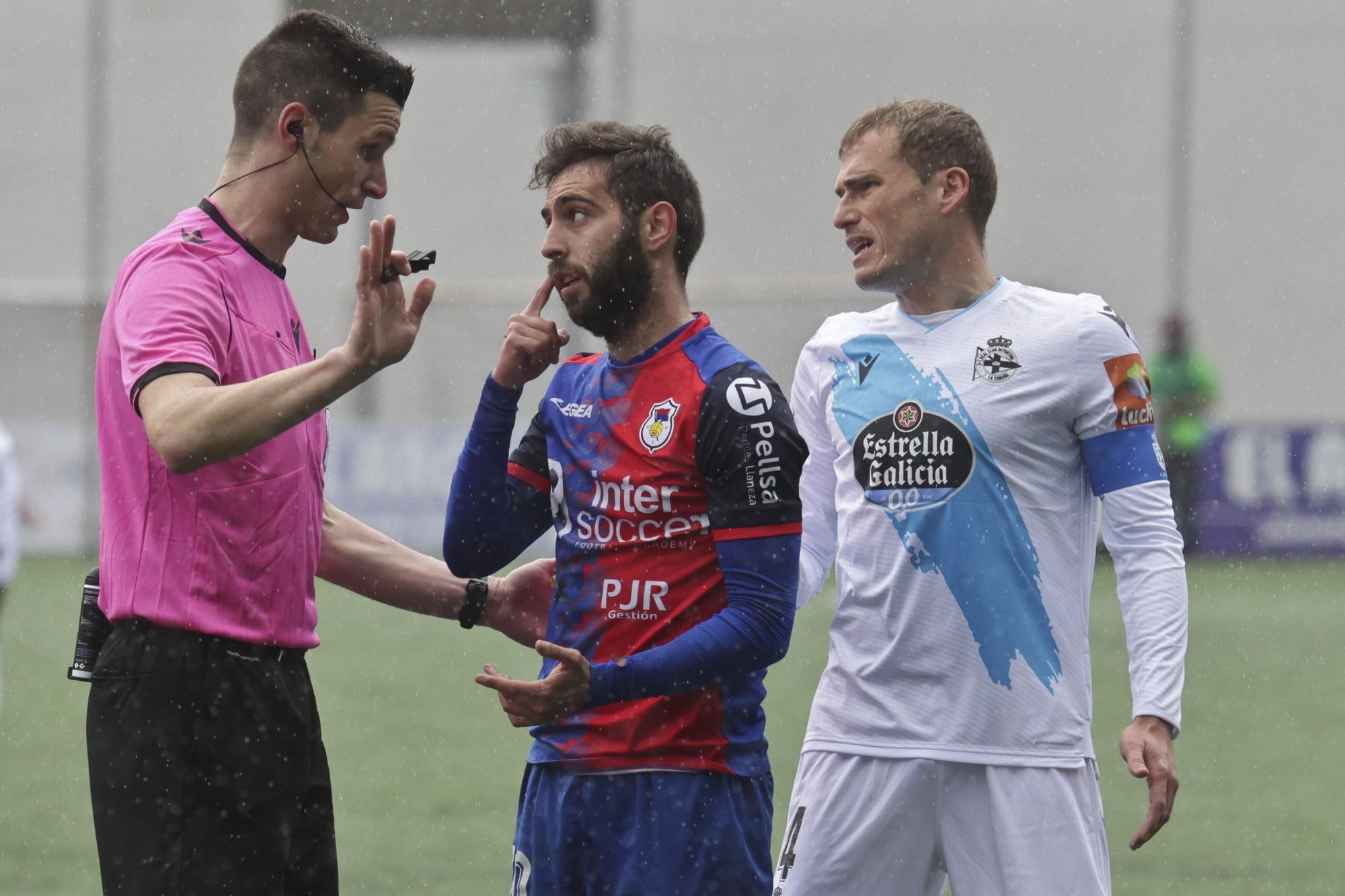 El Deportivo pierde 1-0 ante el Langreo