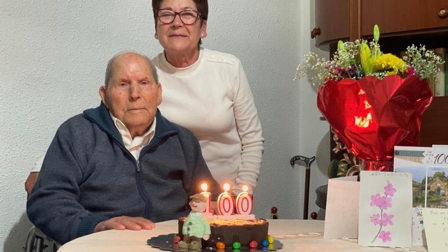 Relleu homenajea a su vecino más longevo: José Rubio Carbonell cumple 100 años