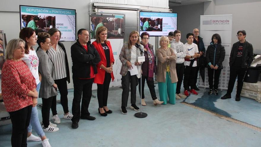 Una exposición en Cesantes pone en valor el papel de la mujer en el ámbito marino