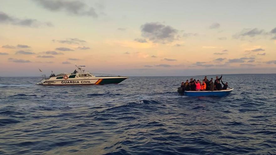 Interceptada una patera en Cabrera con 18 migrantes