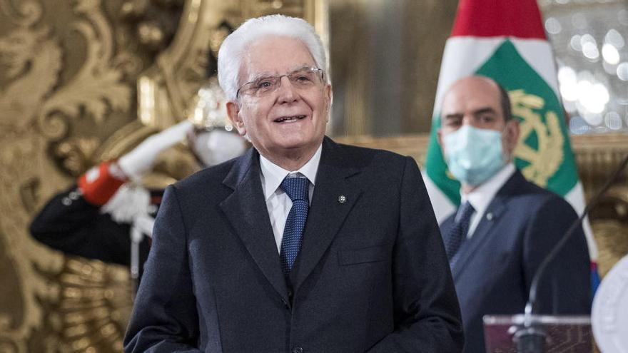Mattarella intenta formar al mismo Gobierno para salir de la crisis en Italia