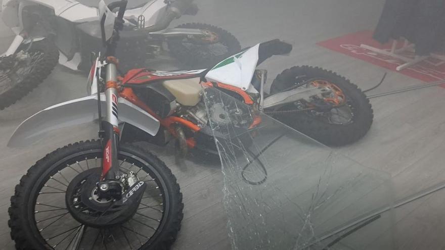 Así fue el alunizaje para robar una moto en una tienda de Las Palmas