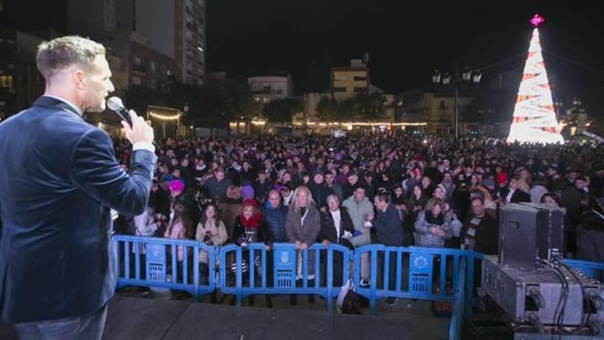 Gandia Más de mil quinientas personas en las campanadas del Prado
