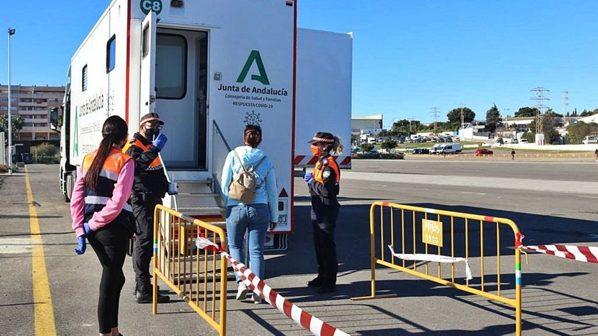 Unidad móvil de la Junta de Andalucía para los cribados