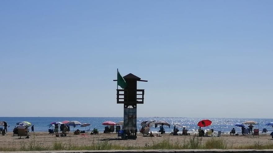 La playa del Port de Sagunt reabre la zona más dañada por el último temporal
