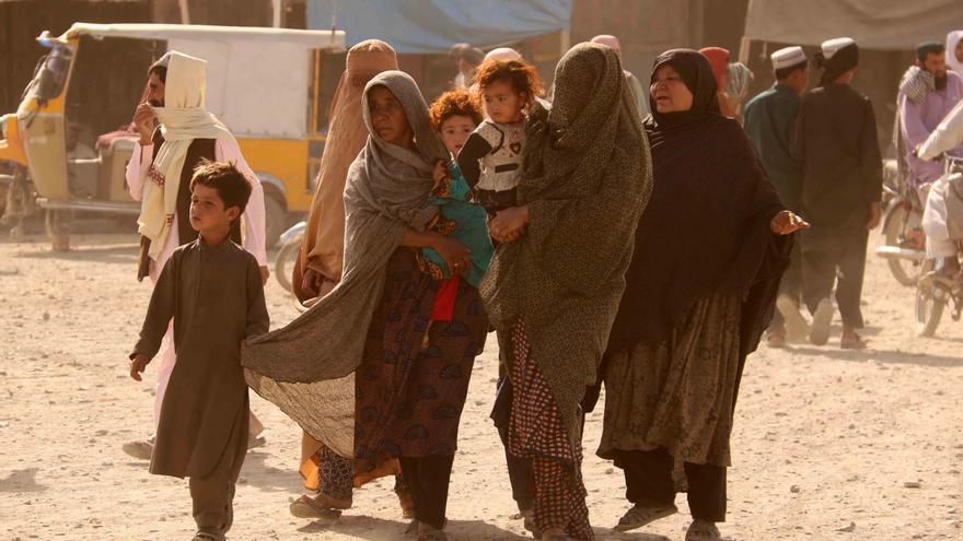 Canarias evalúa sus recursos para acoger a mujeres y niñas afganas
