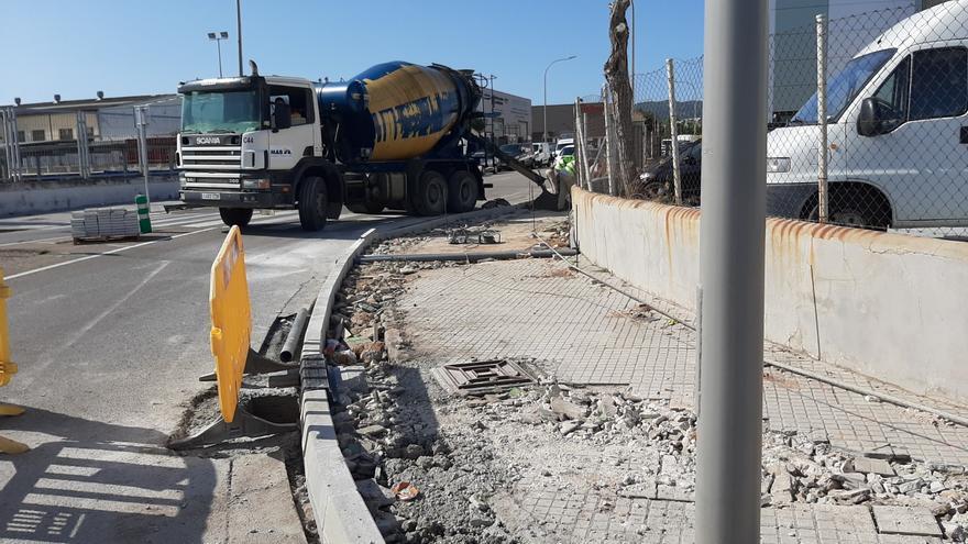 Cort invierte 60.000 euros en el arreglo de aceras y alcorques en el polígono de Can Valero