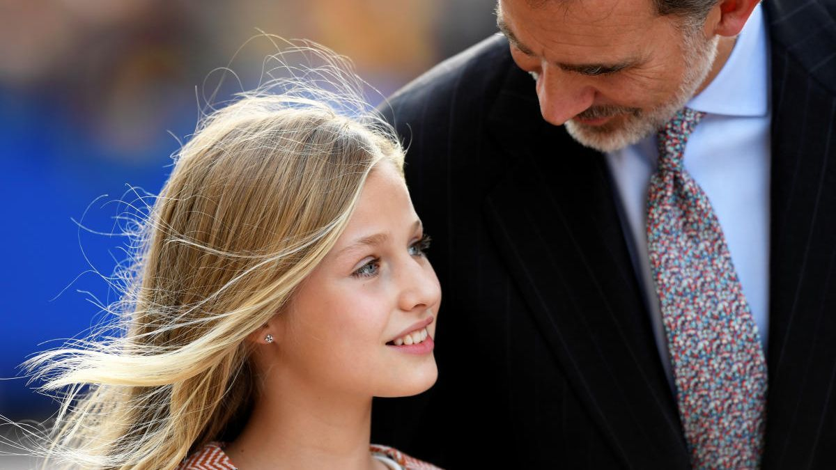 La princesa Leonor junto a su padre, Felipe VI