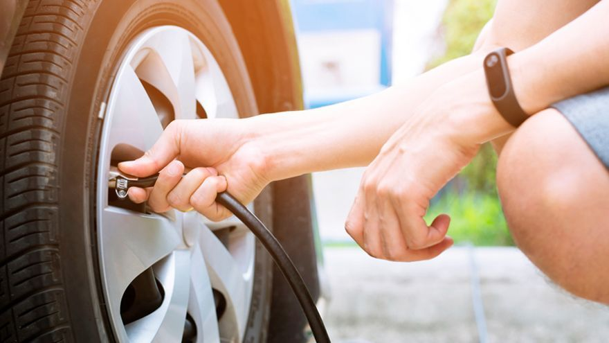 Los mejores compresores portátiles para evitar percances por la presión de los neumáticos