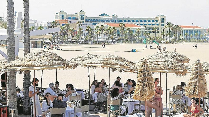 La economía valenciana crecerá en 2021 tanto como perderá en 2020