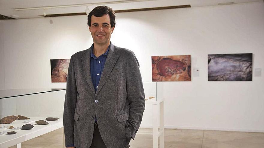 Roberto Sáez, en la exposición de La Alhóndiga.