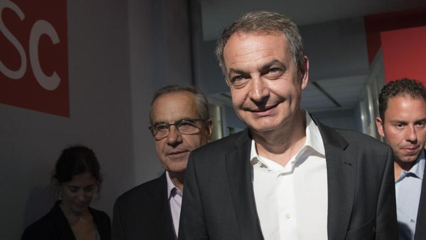 """Zapatero diu que a Catalunya hi ha """"prejudicis"""" contra Díaz per ser dona i andalusa"""