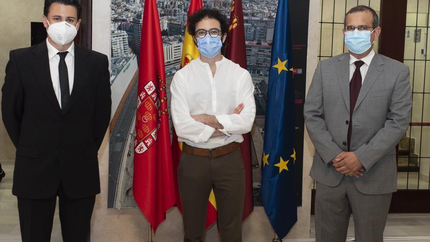 La Real Academia de Medicina de la Región premia el trabajo de tres investigadores y de un alumno de la UMU