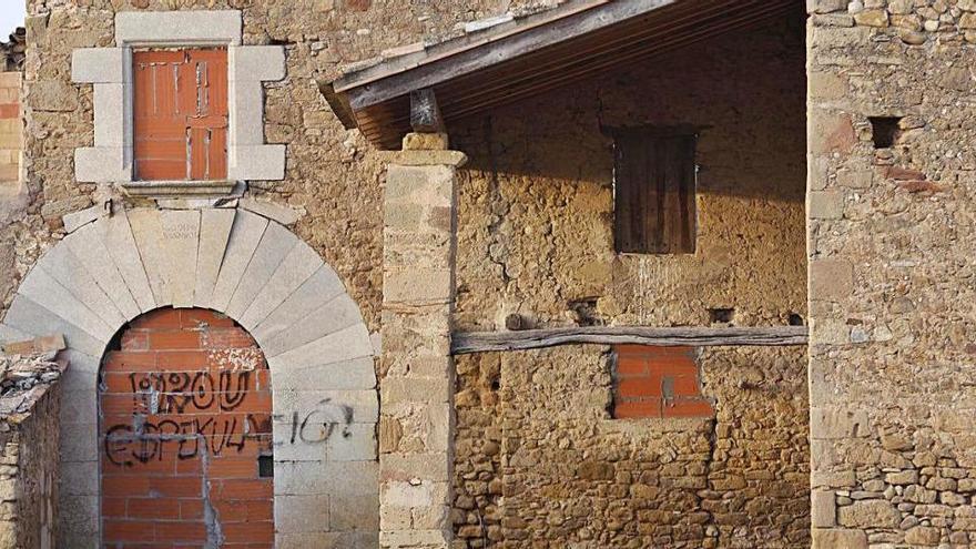 Girona és la vegueria amb més habitatges buits o en desús en l'entorn rural