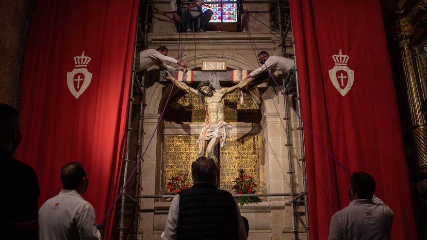 GALERÍA | Descendimiento del Cristo de las Injurias en Zamora