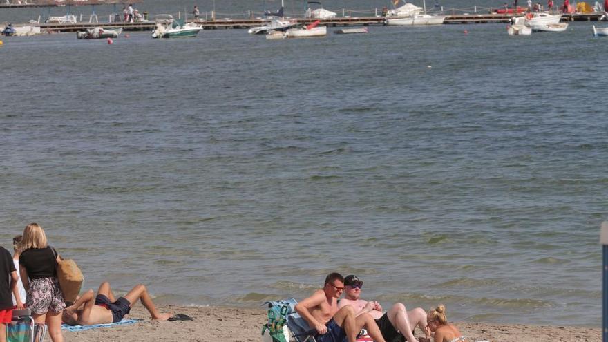 """La campaña de pesca en el Mar Menor está siendo """"de récord"""", según Bernabé"""