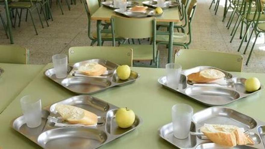 Un centenar d'instituts reobriran els menjadors escolars en una prova pilot