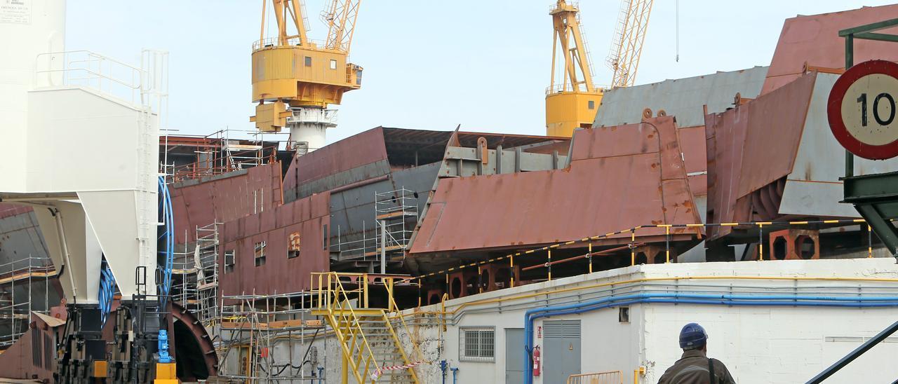 Cascos de los cruceros de Havila en el astillero de Barreras