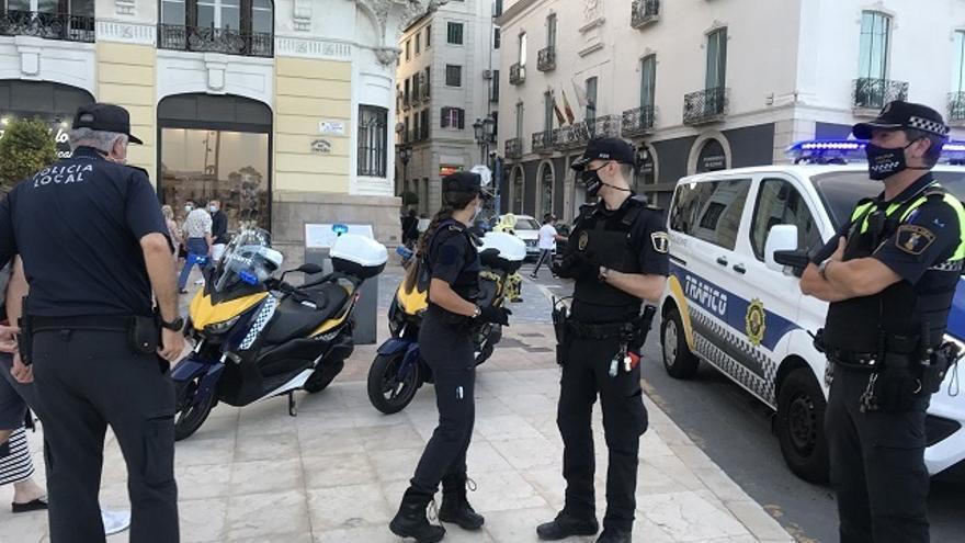 La Policía interviene 25 fiestas ilegales en Alicante
