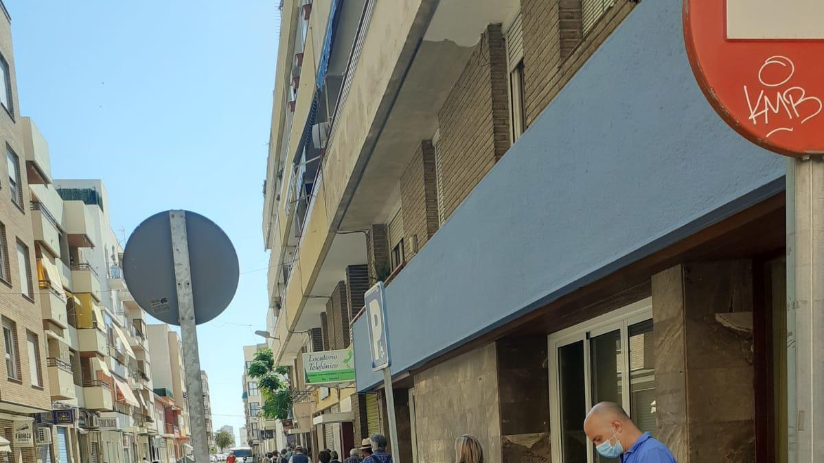 Sant Joan limita el tráfico en el entorno del Mercado para favorecer la movilidad y el distanciamiento social