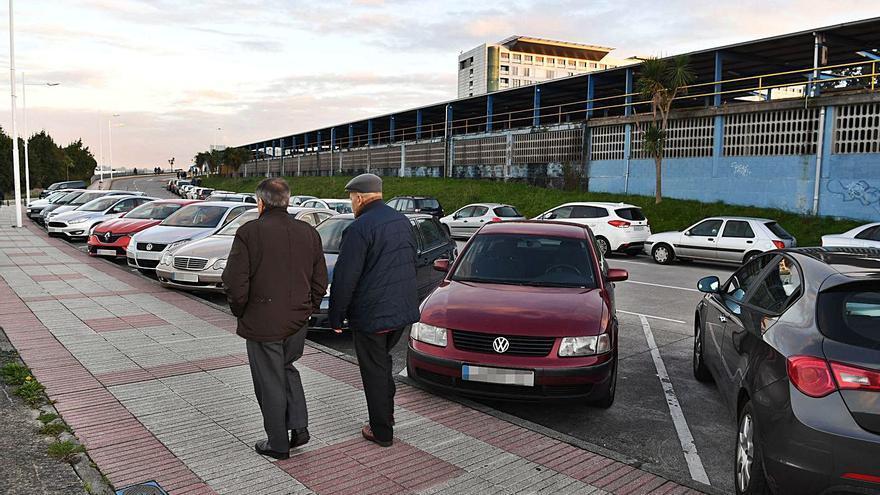 Urbanismo recorta el mínimo obligatorio de plazas de 'parking' para fomentar bus y bici