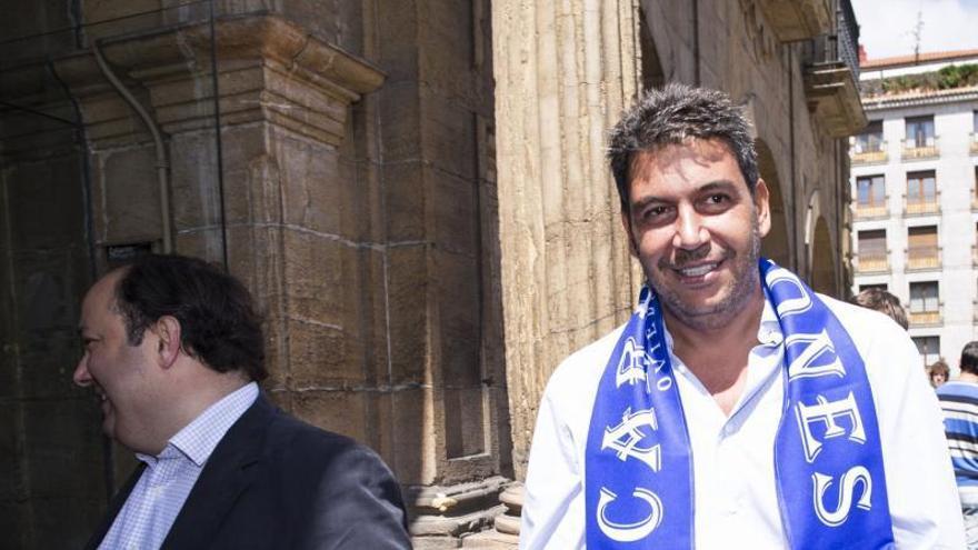 En el Oviedo bicéfalo, turno para el consejo: la apuesta por Rubén Reyes es de la directiva