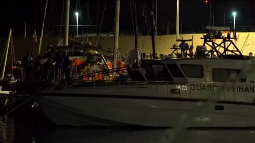 Otro barco humanitario reta a Salvini para llevar a Lampedusa a 41 inmigrantes