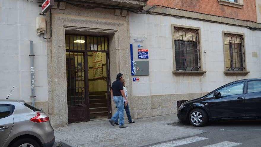 La Junta cubrirá una de los tres vacantes de pediatría en Benavente la próxima semana