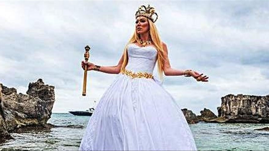 Topacio Fresh: «Volver a Ibiza es como volver a casa, al origen de mi nueva vida»