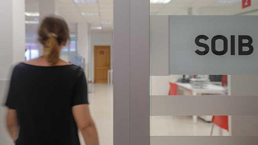 El Govern cifra internamente en 400.000 los trabajadores afectados por un ERTE