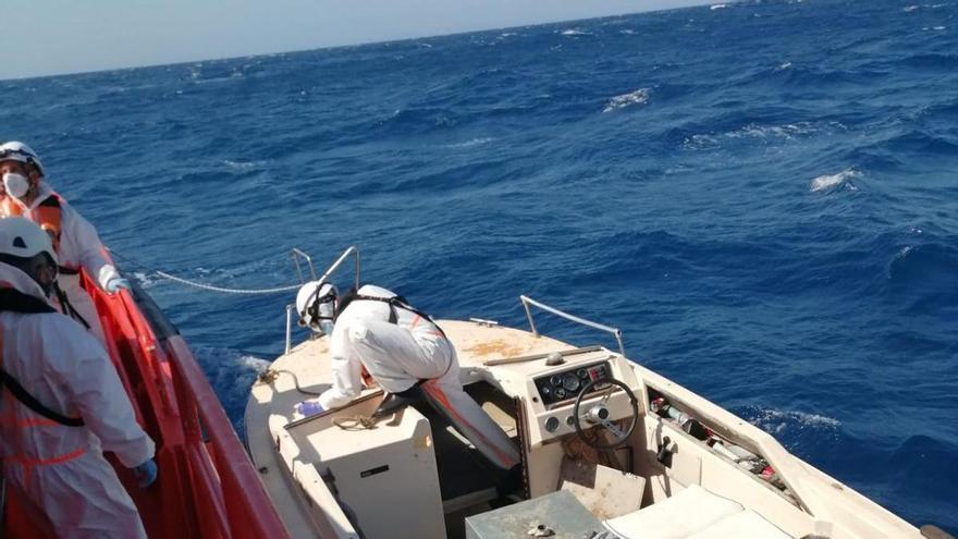 Interceptadas en Alicante tres pateras con al menos 26 migrantes en las últimas horas