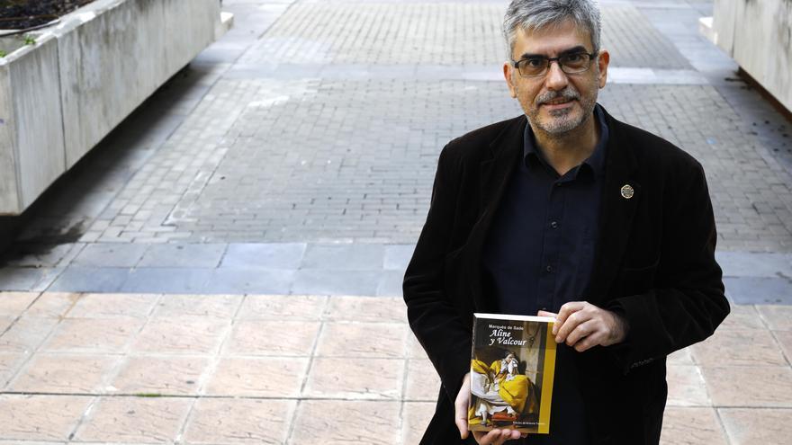 Antonio Tausiet: «El Marqués de Sade trata lo humano como Shakespeare»