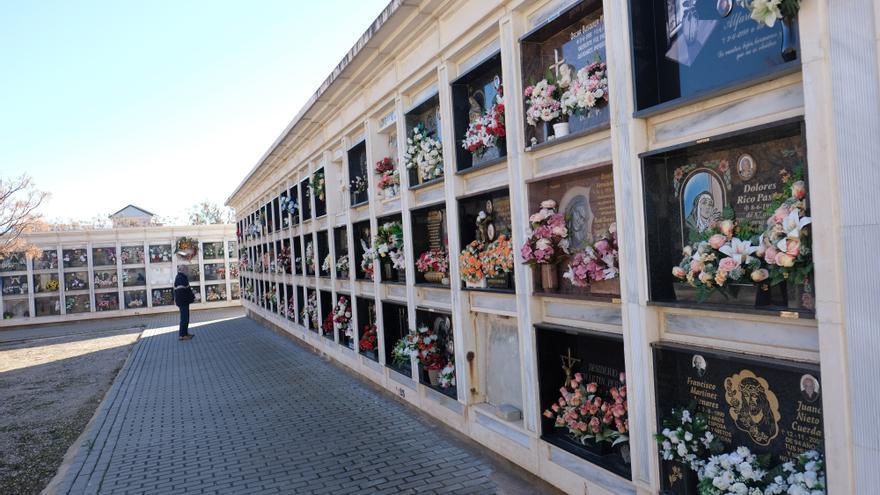 Una escultura en el cementerio nuevo de Elda recordará al centenar de víctimas del covid-19