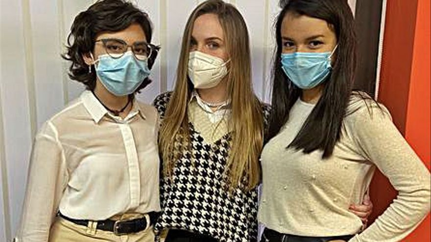 Tres alumnes de l'Escola Pia son finalistes en un concurs contra  el discurs de l'odi