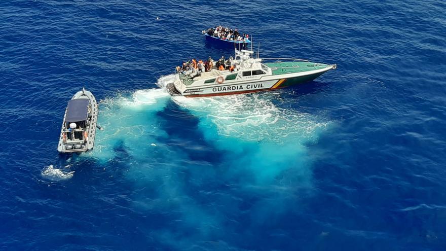 En libertad sin guardar cuarentena nueve migrantes rescatados el sábado en Cabrera