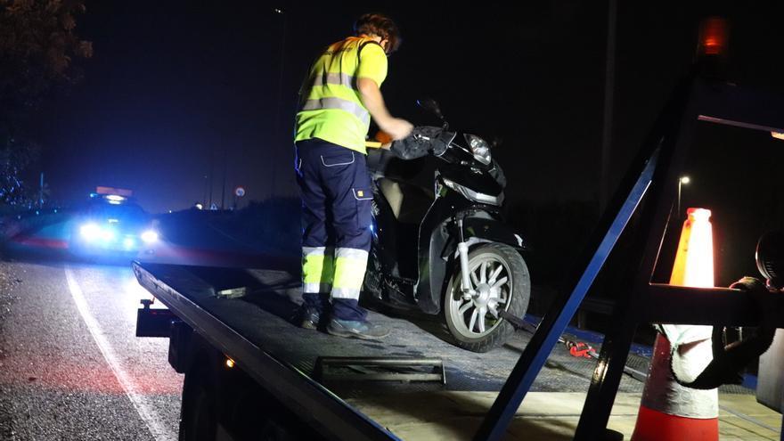 Varios conductores evitan que un hombre asesine a su novia arrojándola a la autovía en Valencia