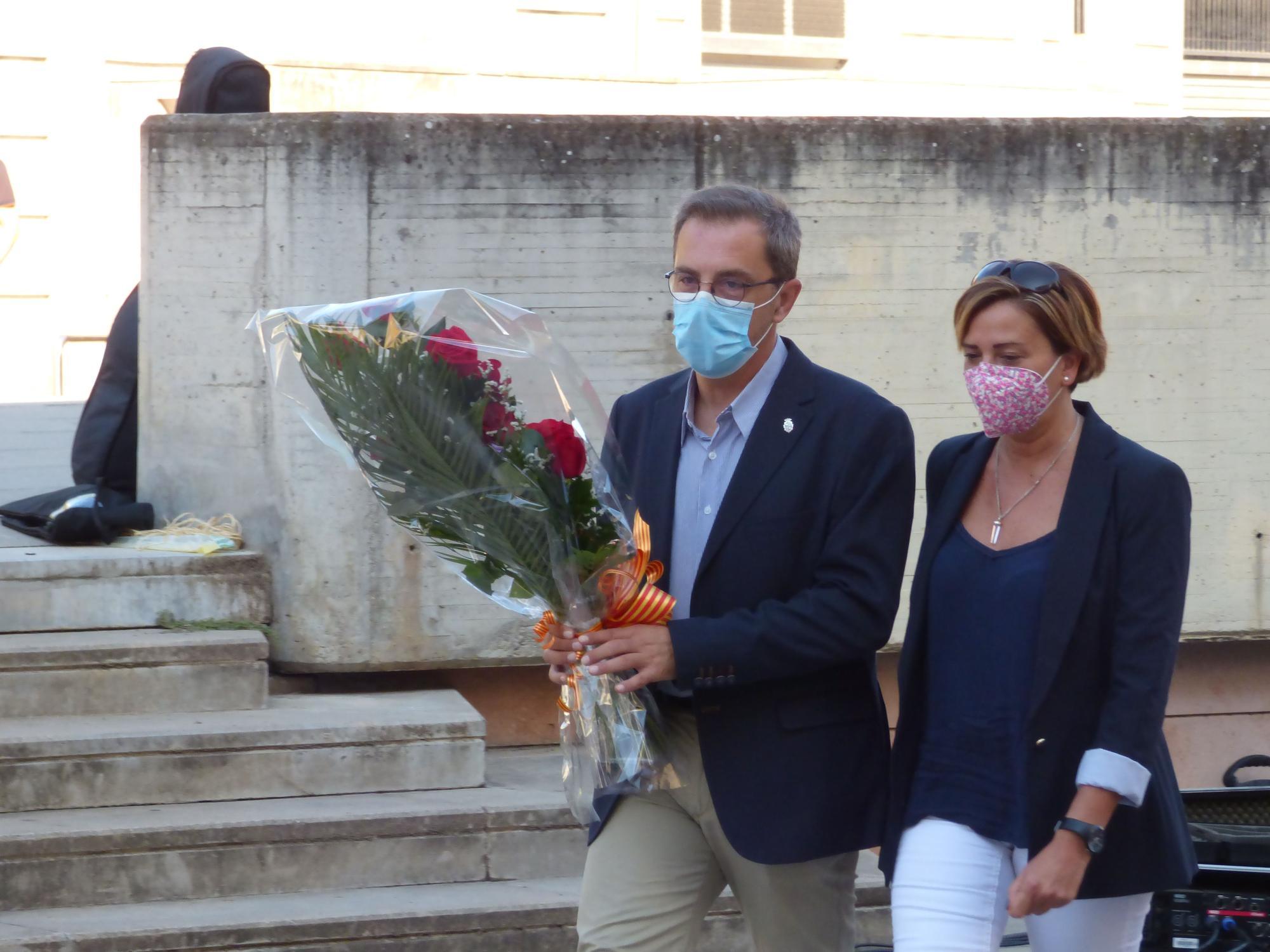 Figueres celebra l'acte institucional de la Diada a la plaça Frederic Marès