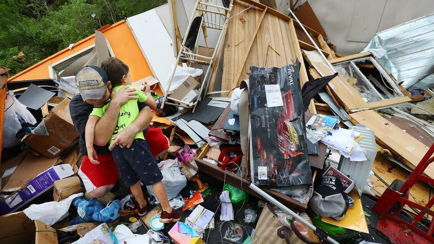 Al menos cinco fallecidos por tornados en EEUU
