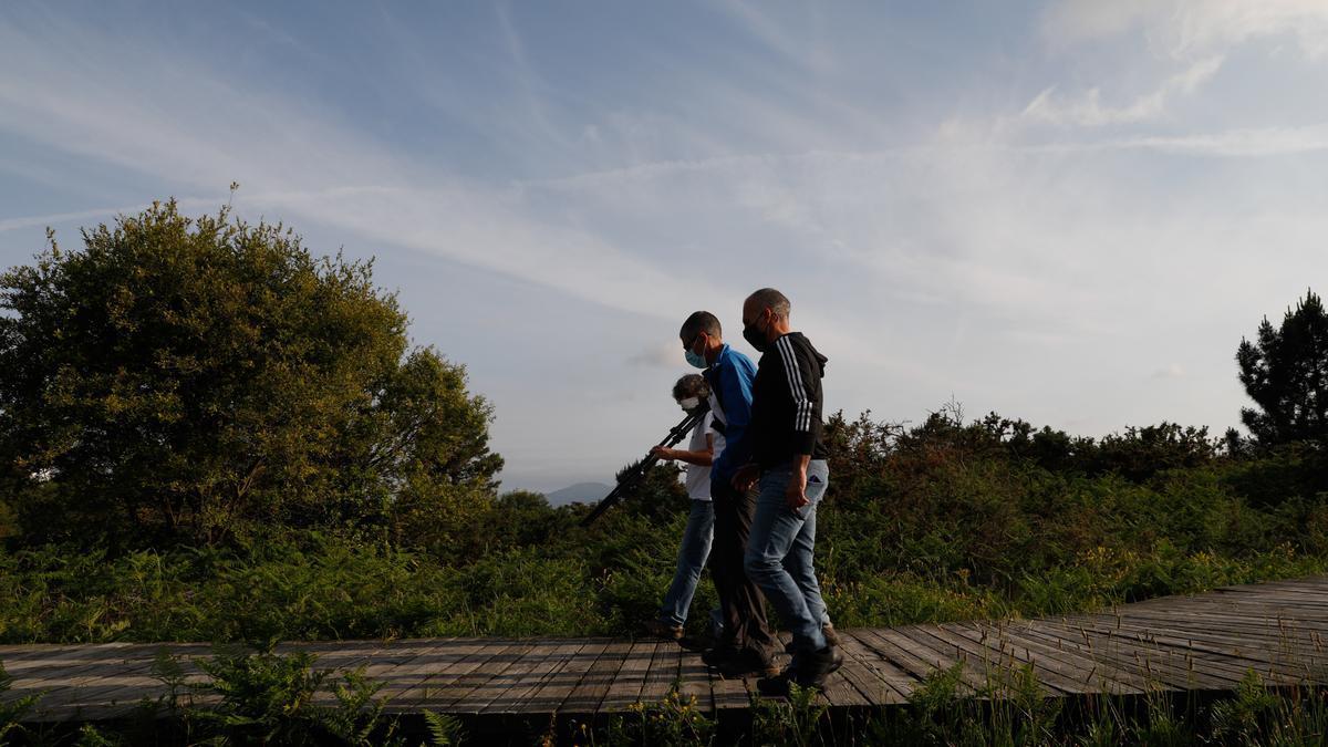 Miembros del colectivo Mavea, en las proximidades de Zeluán.