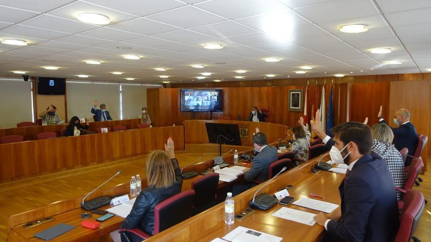 Consenso en el pleno para pedir a la Xunta que reduzca las listas de espera en Sanidad