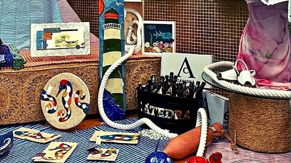 Productos artesanos dedicados a la temática marinera. | CARM