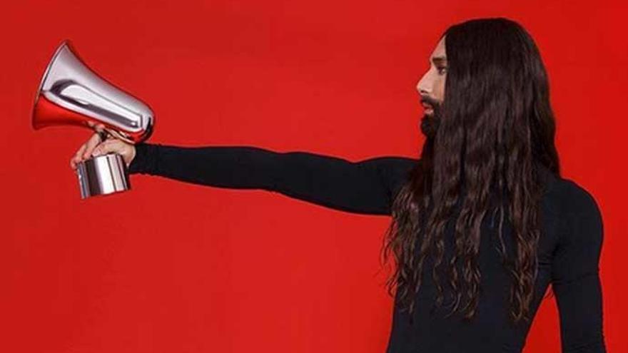 Conchita Wurst sorprende con su cambio de look radical