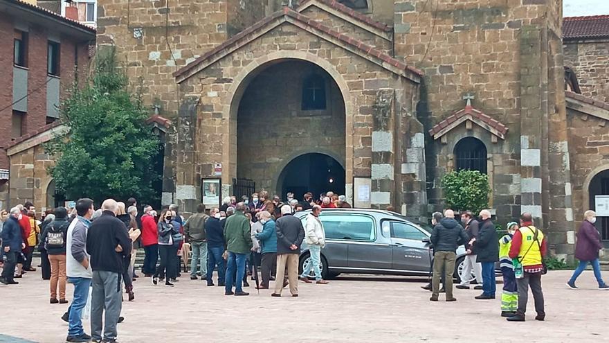 Moreda despide al historiador Guillermo Fernández Lorenzo
